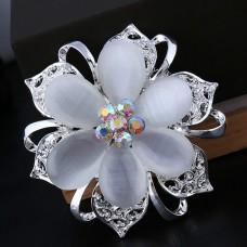 Брошь металл под серебро, белые кристаллы (5,5*5,5)