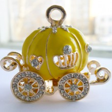Подвеска карета желтая